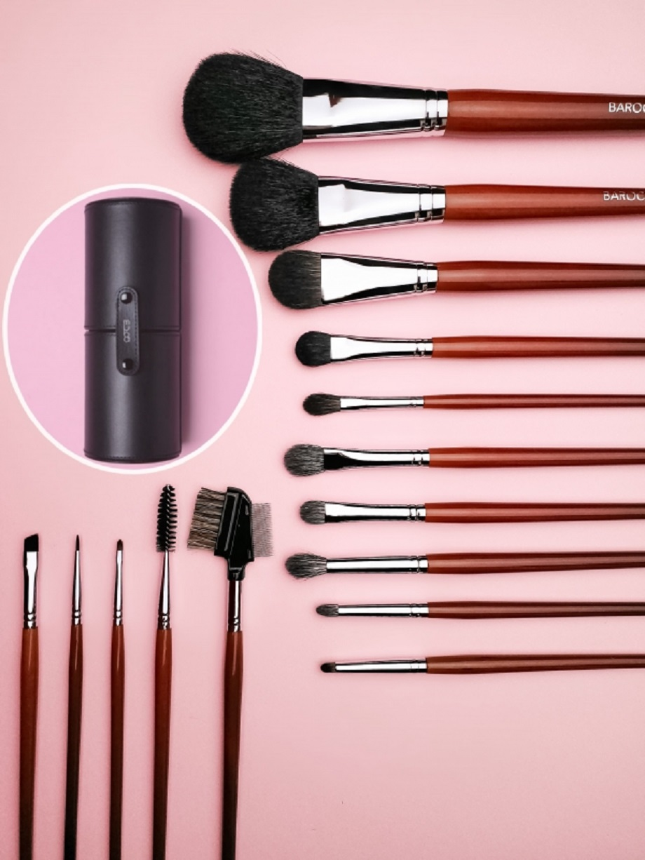 everyday makeup set + brush tube for free!